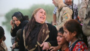 150520093114_displaced_sunni_people_who_fled_ramadi_624x351_reuters